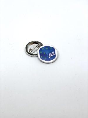 Pin's – texte imprimé logo J.A.M.